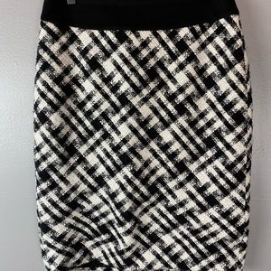 WHBM black & white herringbone pencil skirt 6